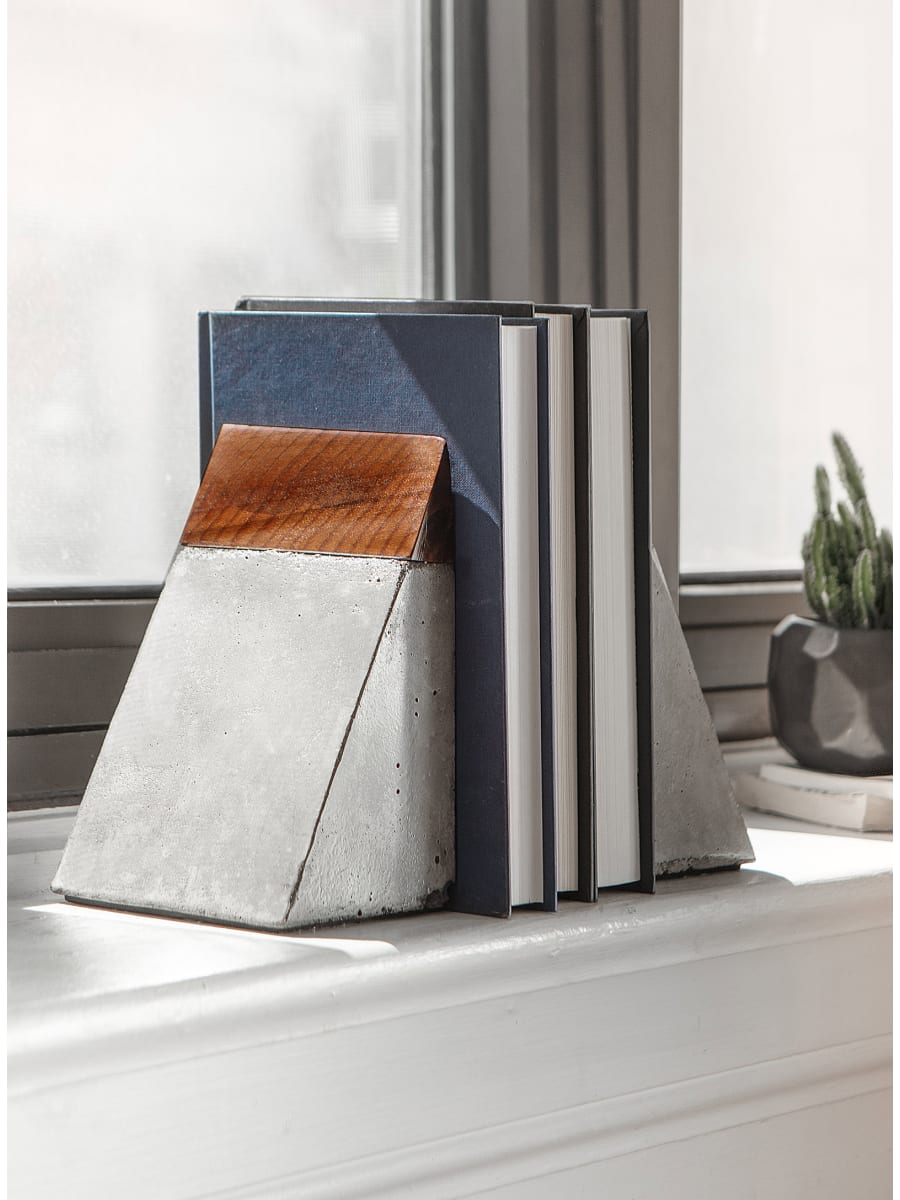 Simons - Raphael Zweidler - Santo & Johny Wood and Concrete Bookends